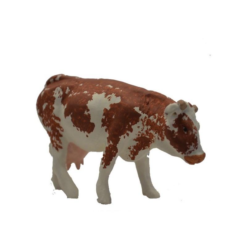 La vache marron debout