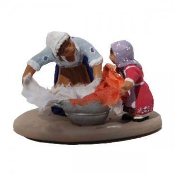 Mère et fille au bacquet